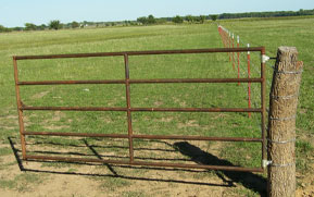 Pasture Gate hinge-mounts to wood or steel posts